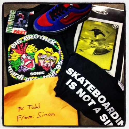 (A package from Simon to Skatelab with Vans Signature Shoes, Big Brother Mardi Grass tour shirt from '95, some ads and a 'Skateboarding is not a sin' t-shirt from Simon's own project, I'd be happy!)