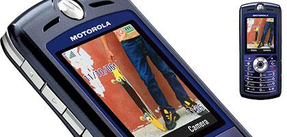 Motorola Cell phone skate pic