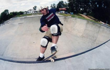 Matt Swan smith grind in Newberg 2002