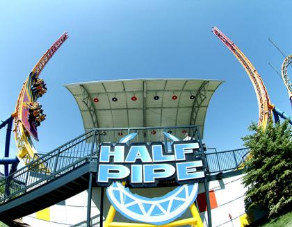 Half Pipe Ride at Six Flags
